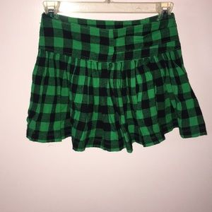 PLAID GREEN AND BLACK SKIRT